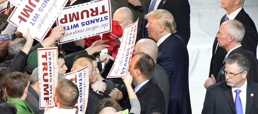 trump_with_supporters_in_iowa_january_2016_2_resizedpn